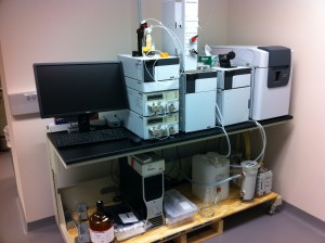 Our custom analytical/semi-prep HPLC from Shimadzu